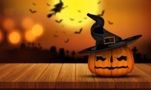 calabaza-de-halloween-en-una-mesa-de-madera_1048-3118