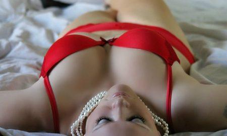 girl-254708_960_720