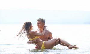 dia-romantico-en-la-playa_1098-89