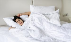 mujer-durmiendo_1169-77
