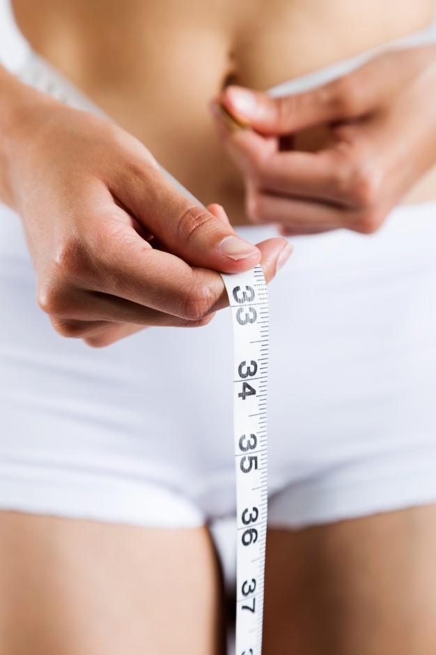 cuidado-de-la-belleza-calorias-dama-blanca_1301-129