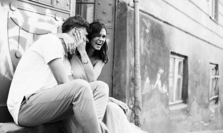 ramo-de-la-mujer-bonita-sonrisa-marido_1304-964