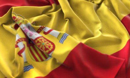 bandera-de-espana-agarrados-de-la-mano-color-belleza-de-la-mano-macro-foto-de-primer-plano_1379-188