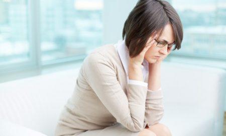 mujer-frustrada-con-su-trabajo_1098-2644