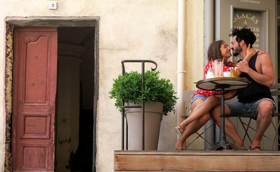in-love-2503412_960_720