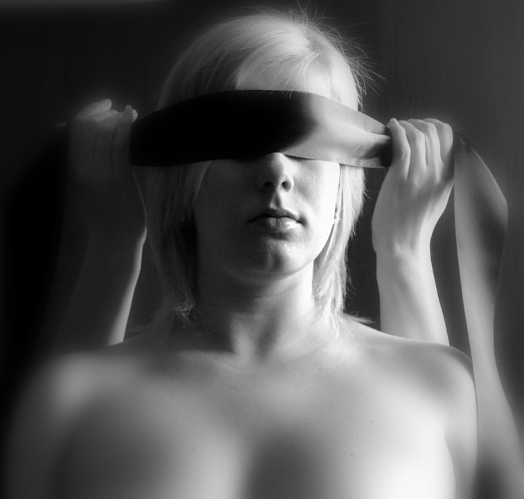woman-218764_960_720