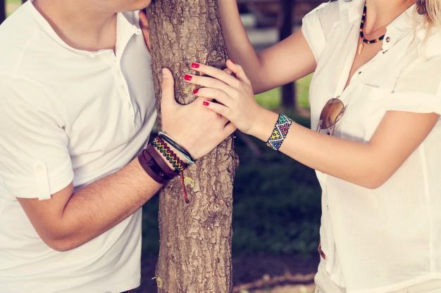 joven-pareja-de-enamorados_1004-16