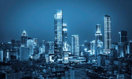 brillante-ciudad-nocturna_1127-8