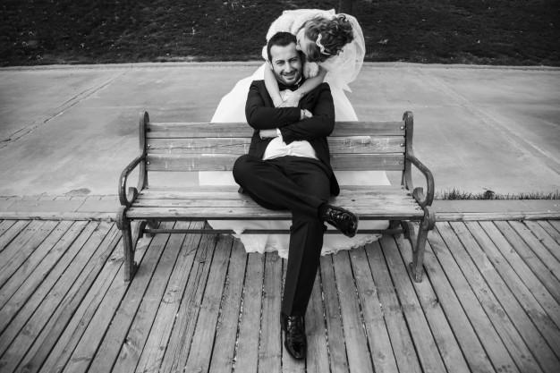 foto-de-boda-en-blanco-y-negro_1122-464