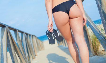 chica-con-bikini-brasileno_1149-1078